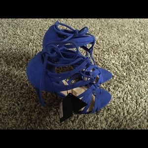 Forever 21 blue strapping heels size 8